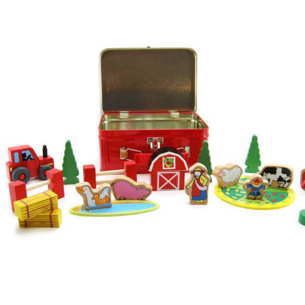 WOODEN FARM SET IN CARRY CASE