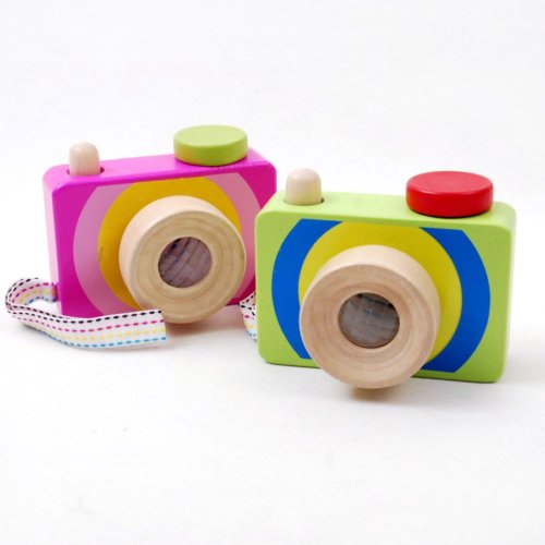 KALEIDOSCOPE WOODEN CAMERA WITH SQUEAKY BUTTON