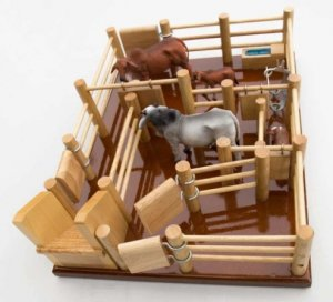 WOODEN CATTLE YARDS PLAYSET